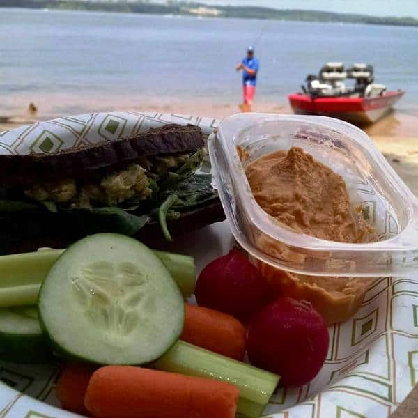 oil free hummus recipe. hummus with roasted red pepper