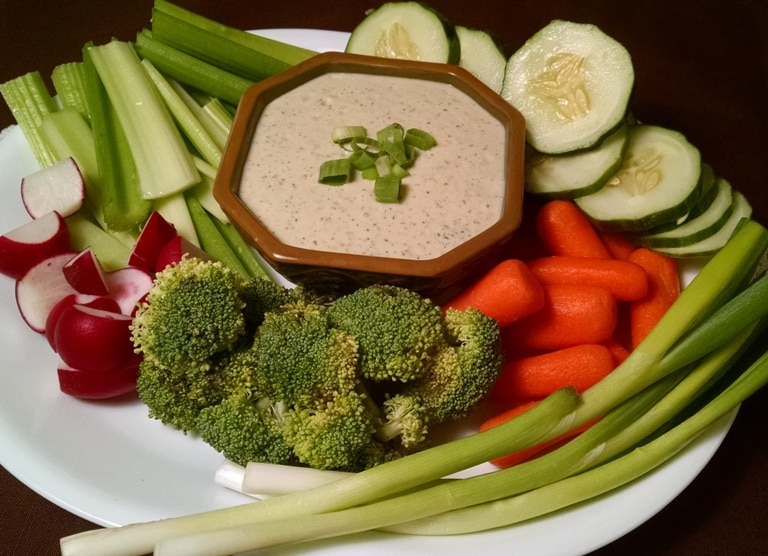 vegan ranch dressing with vegetables