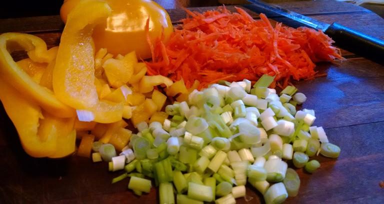 healthy vegan breakfast recipes. roadhouse hash. chopped veggies