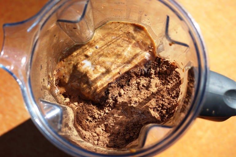 vegan chocolate icing in blender